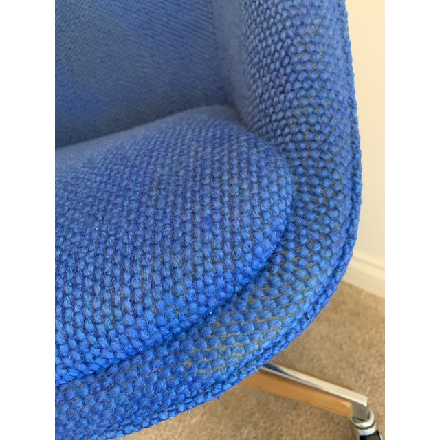 Royal Blue 1970's Steelcase Mid-Century Blue Swivel Barrel Chair For Sale - Image 8 of 12