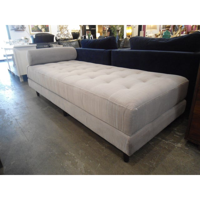 Mid-Century Modern Intuition Light Gray Tufted Velvet Daybed For Sale - Image 3 of 7