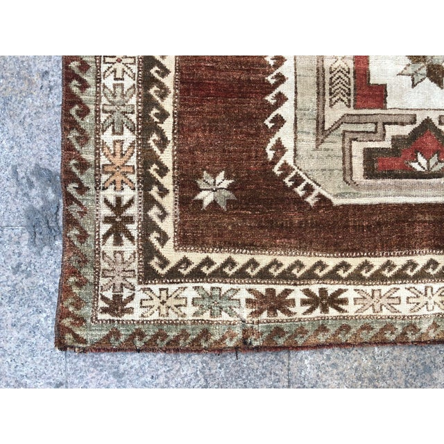 1960s Vintage Handmade Turkish Bohemian Wool Rug- 4′5″ × 8′4″ For Sale - Image 10 of 11