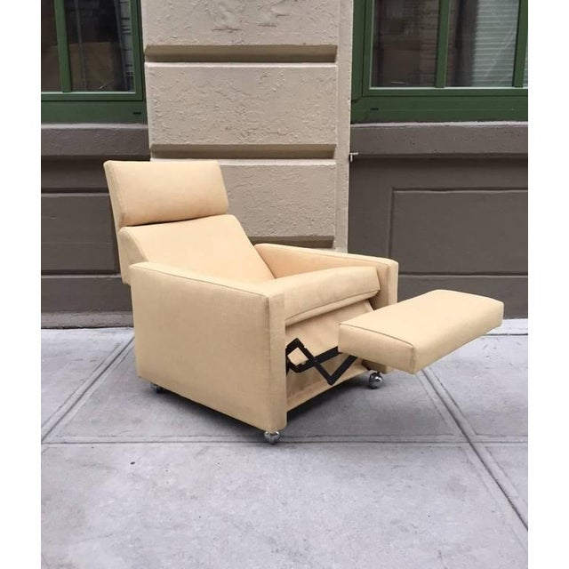 Milo Baughman Pair of Reclining Lounge Chairs by Milo Baughman For Sale - Image 4 of 7