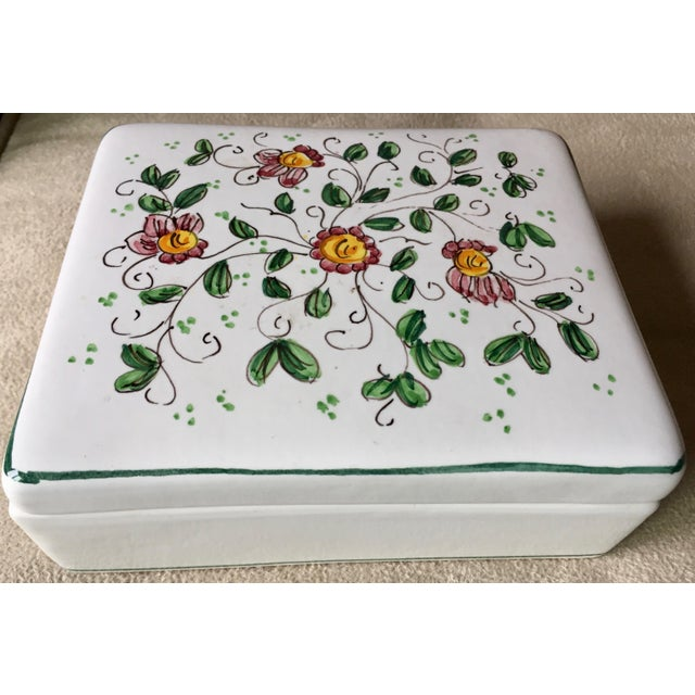 """Ceramic Vintage Italian Faience Hand-Painted Box-6""""x 5"""" For Sale - Image 7 of 7"""