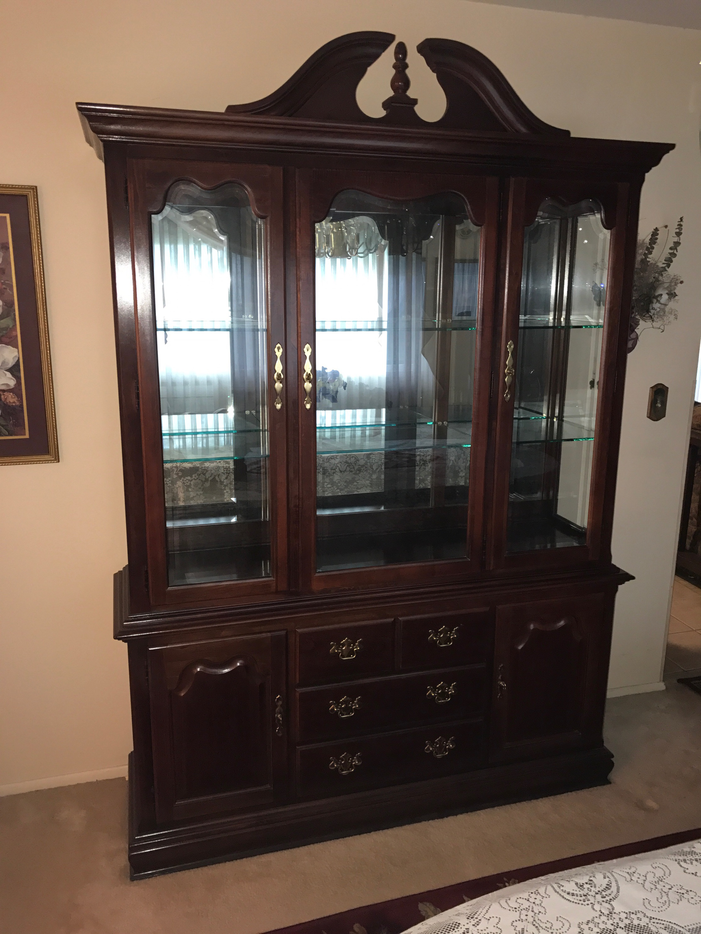 Superieur Thomasville China Cabinet. Style U2013 English Traditional U2013 Queen Anne  Collection U2013 Winston Court Wood