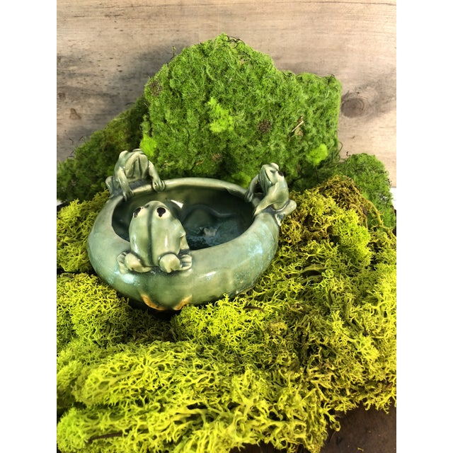 Ceramic Fitz and Floyd Majolica 3 Frogs Bowl Planter For Sale - Image 7 of 8
