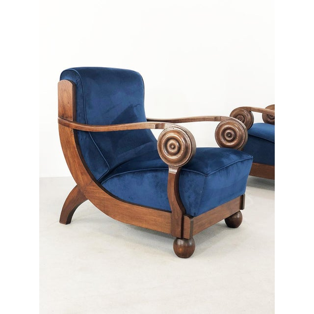 Exceptional pair of French armchairs in art deco style of the 30s attributed to the designer Maxime Old. The armchairs...