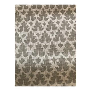 Quadrille Volpi Grey on Tint Linen Fabric - 6.5 Yards For Sale