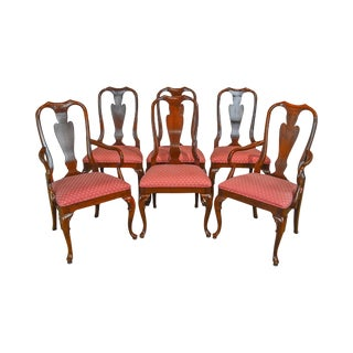 Traditional Queen Anne Style Quality Set of 6 Dining Chairs For Sale
