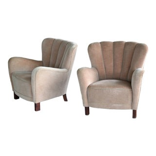 1940s Fritz Hansen Mid-Century Danish Variant of Model 1669 Easy Chairs in Mohair - a Pair For Sale