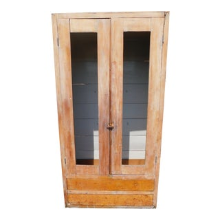 19th C. American Farmhouse Antique Pine Cupboard/Armoire/Cabinet For Sale