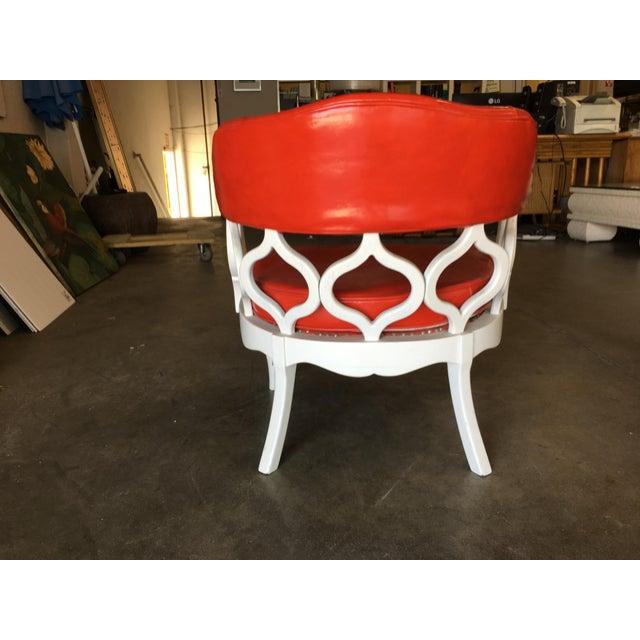 Wood Barrel Back Hollywood Regency Spiral Carved Chair by Dorothy Draper For Sale - Image 7 of 9