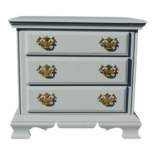 Vintage Traditional Style Gray Nightstand For Sale