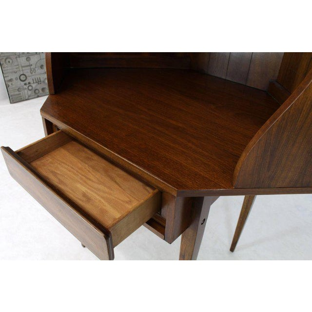 Brown Mid-Century Modern Two-Piece Walnut Corner Desk Table Bookcase Hutch For Sale - Image 8 of 12