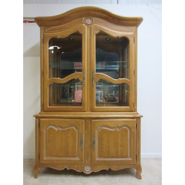 Ethan Allen Country French Bisque China Cabinet Hutch Curio Display For Sale - Image 11 of 11