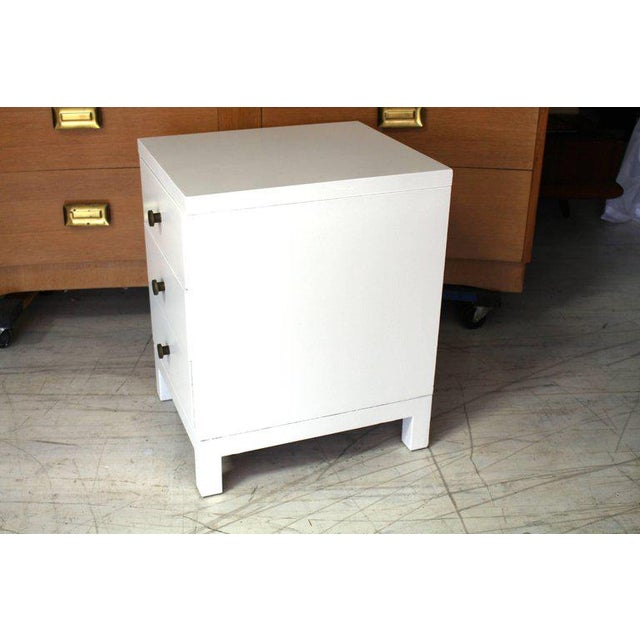John Widdicomb Mid-Century Modern Widdicomb 3-Drawer White Lacquer Nightstand For Sale - Image 4 of 6