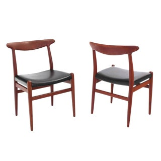 Set of Four Hans Wegner Teak Dining Chairs Leather Upholstery For Sale