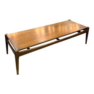 1960s Bassett Furniture Mid-Century Modern Walnut Coffee Table For Sale