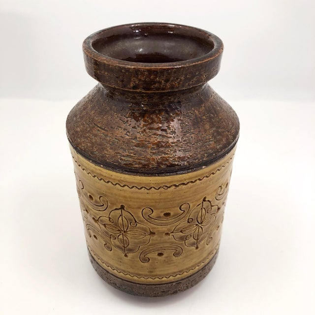 "Aldo Londi Aldo Londi for Bitossi Mid-Century ""Spagnolo"" Brown and Mustard Vase For Sale - Image 4 of 13"