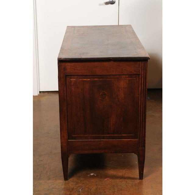 French French Directoire Style 1860s Walnut Veneered Commode with Inlay and Fluting For Sale - Image 3 of 13