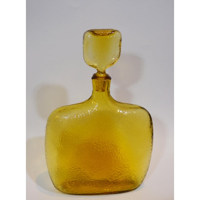 1960s Mid-Century Modern Tall Gold Glass Decanter For Sale In New York - Image 6 of 6