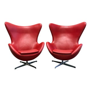 Jacobsen Egg Chair Replica in Red Leather - Pair