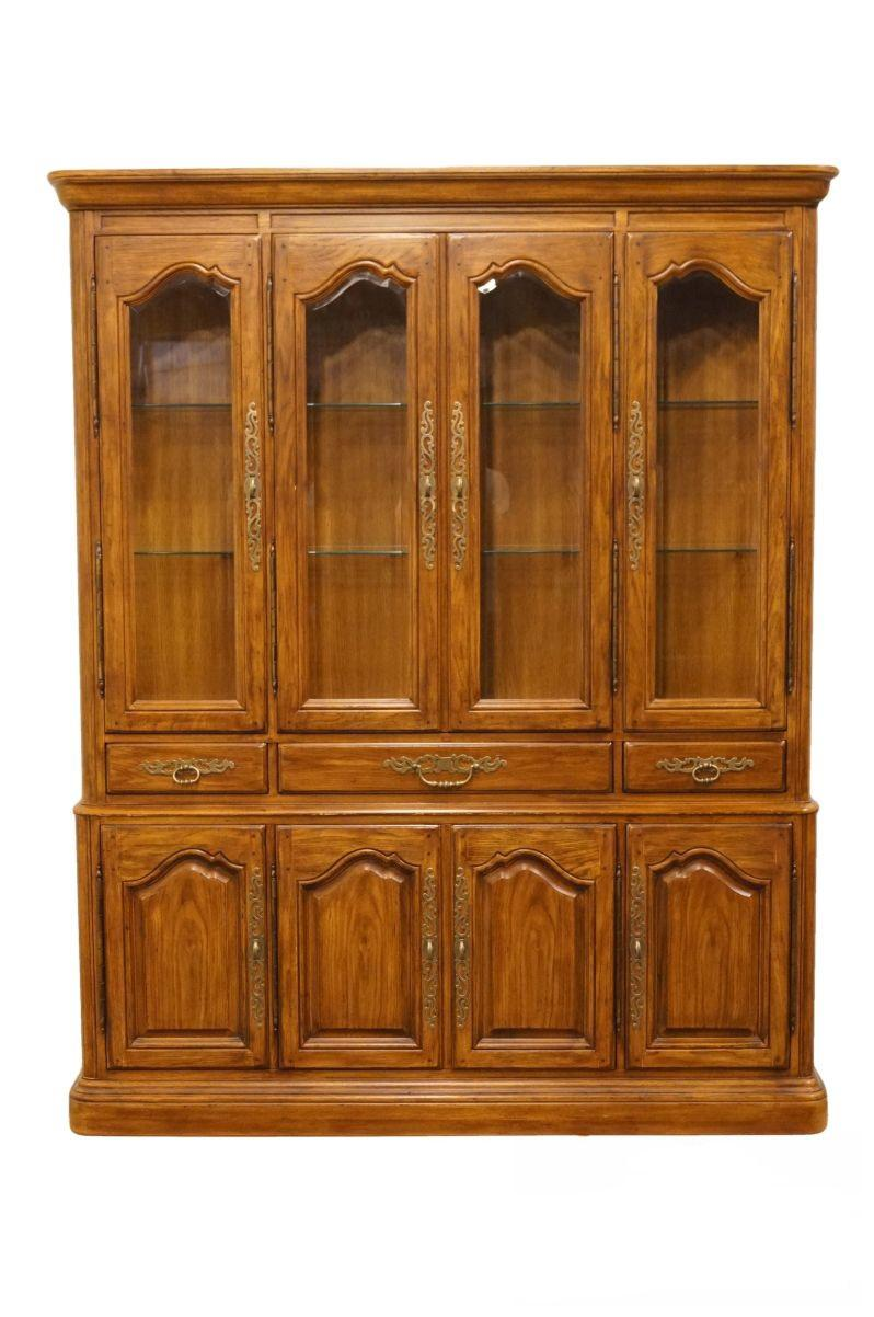 Late 20th Century Vintage Drexel Heritage French Country Style China Cabinet  For Sale   Image 13