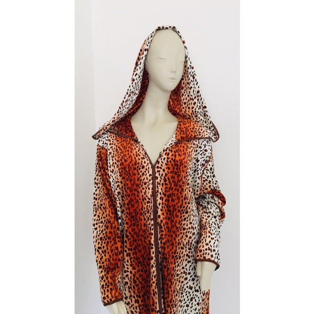 Yves Saint Laurent 1970s Moroccan Hooded Caftan Animal Print Djellabah Kaftan For Sale - Image 4 of 12