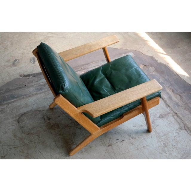 Hans Wegner Highback Lounge Chair Model GE290 for Getama Oak and Green Leather For Sale - Image 5 of 11