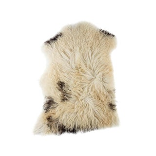 "Hand-Tanned Sheepskin Pelt Rug - 2'2""x3'2"" For Sale"