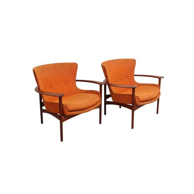 "Mid-Century Modern Pair of ""Horseshoe"" Lounge Chairs by Kofod-Larsen For Sale - Image 3 of 11"