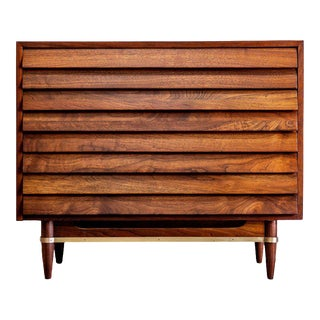 1960s Mid-Century Modern American of Martinsville Dania Chest For Sale