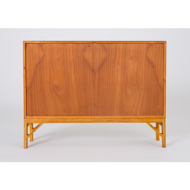 Tan Danish Modern Bookcase in Teak and Oak by Børge Mogensen For Sale - Image 8 of 12