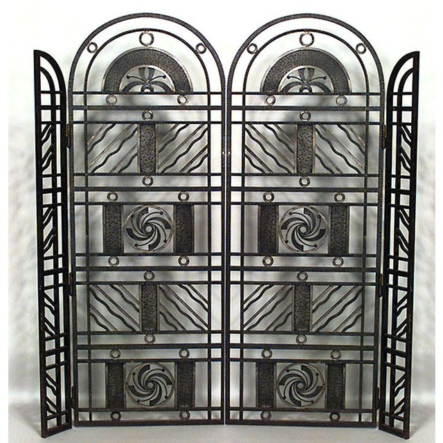 1930s French Art Deco Wrought Iron Filigree Circle Design 4 Panel Gate For Sale - Image 5 of 5