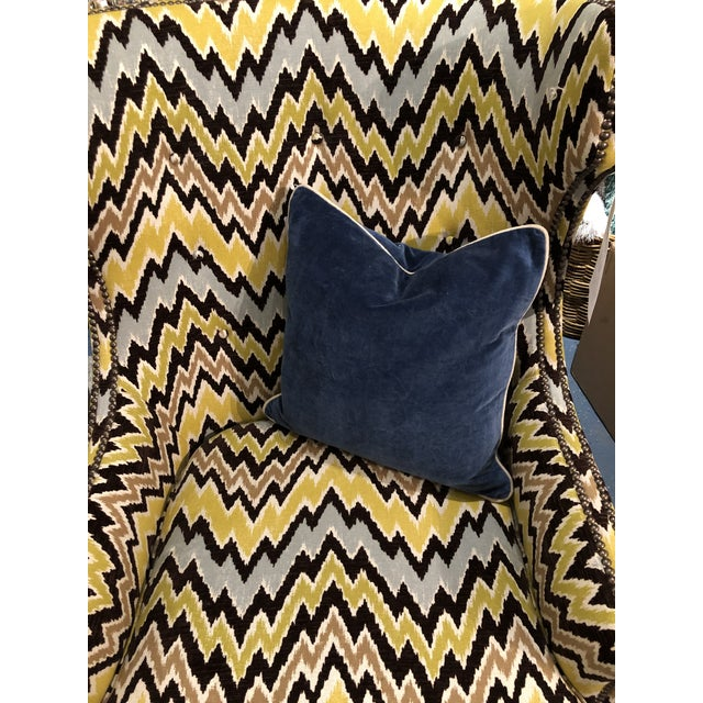 A great dark blue cotton velvet 18: Square pillow. An additional stonewash process makes the pillow even softer and adds...