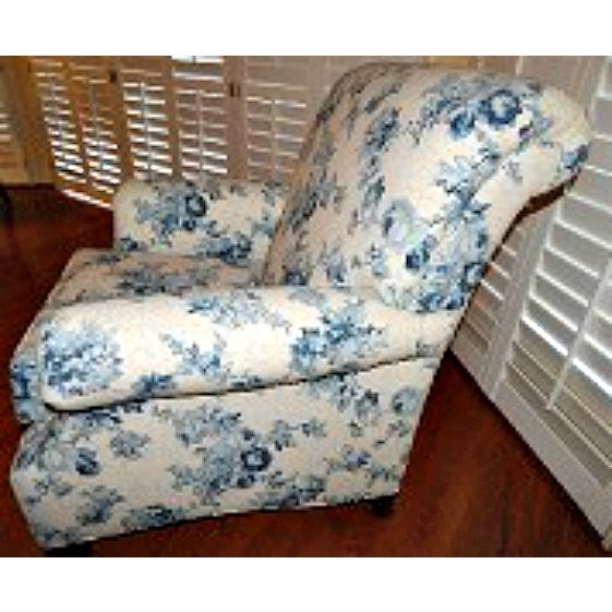 Ethan Allen Blue and White Floral Avery Chair - Image 4 of 6