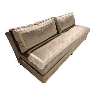 Elegant Hickory Chair Leigh Armless Sofa For Sale
