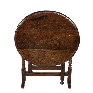 Handsome Very Early English Oak Coaching Table With Bobbin Turned Oak Legs, England Circa 1690. For Sale