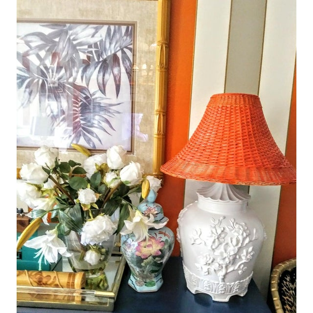 1970s A Pair Vintage Floral Gloss White Large Pagoda Table Lamps W/Bright Orange Wicker Shades For Sale - Image 5 of 10