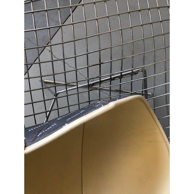 Bertoia for Knoll Asymmetric Chaise For Sale In Los Angeles - Image 6 of 8