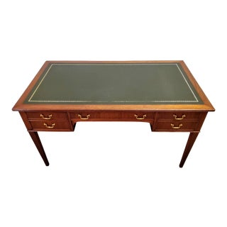 Early 20th Century French Louis XVI Mahogany Leather-Top Bureau Plat For Sale
