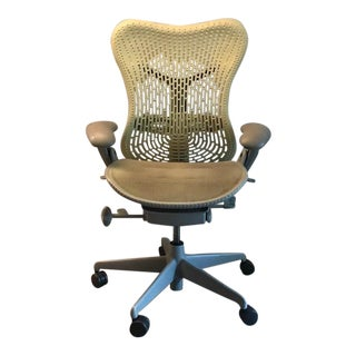 1990s Vintage Herman Miller Mirra 2 Office Chair For Sale