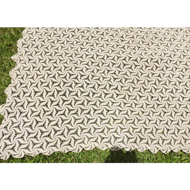 Tan Hand Crocheted Ecru Pin Wheel Pattern Table Cloth or Bedspread For Sale - Image 8 of 9