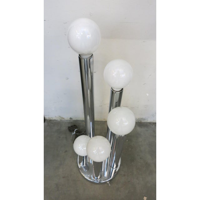 Mid-Century Modern Sonneman Style Chrome Ball Table Lamp, by Torino Italy For Sale - Image 3 of 10