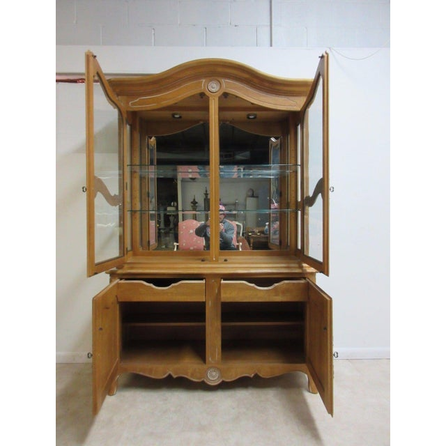Ethan Allen Country French Bisque China Cabinet Hutch Curio Display For Sale - Image 9 of 11