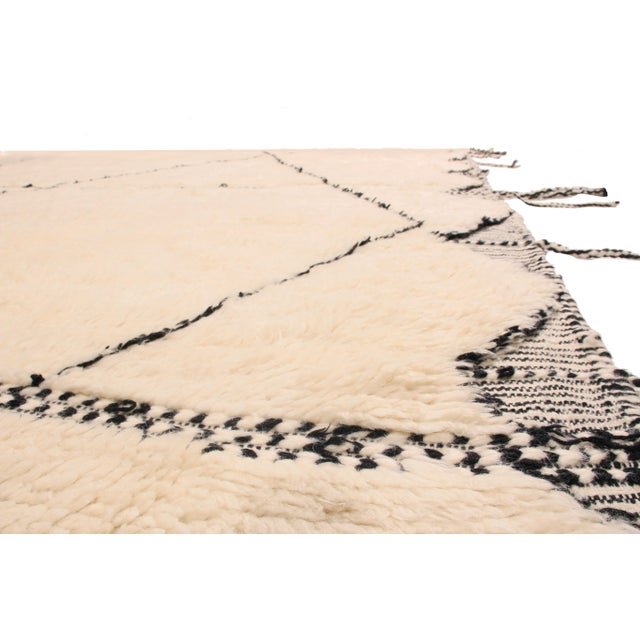 Islamic Moroccan White and Black Wool Rug With Pile - 10′4″ × 14′11″ For Sale - Image 3 of 5