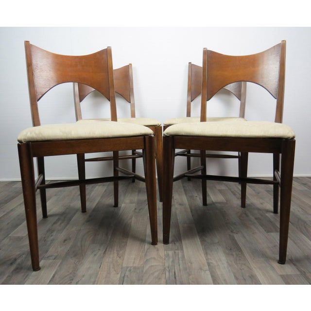 Broyhill Mid-Century Modern Walnut Bowtie Dining Chairs by Lenoir - Set of 4 For Sale - Image 4 of 13