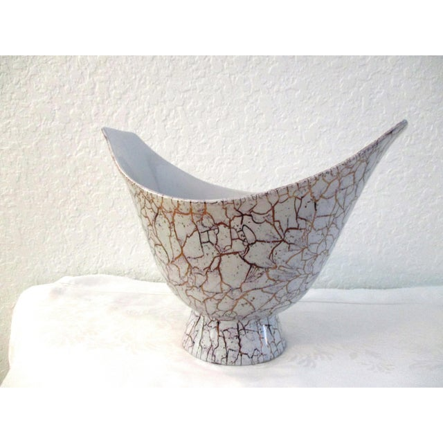 Royal Haeger 1950s Mid-Century Modern Royal Haeger Lilac & Gold Ceramic Vase For Sale - Image 4 of 6