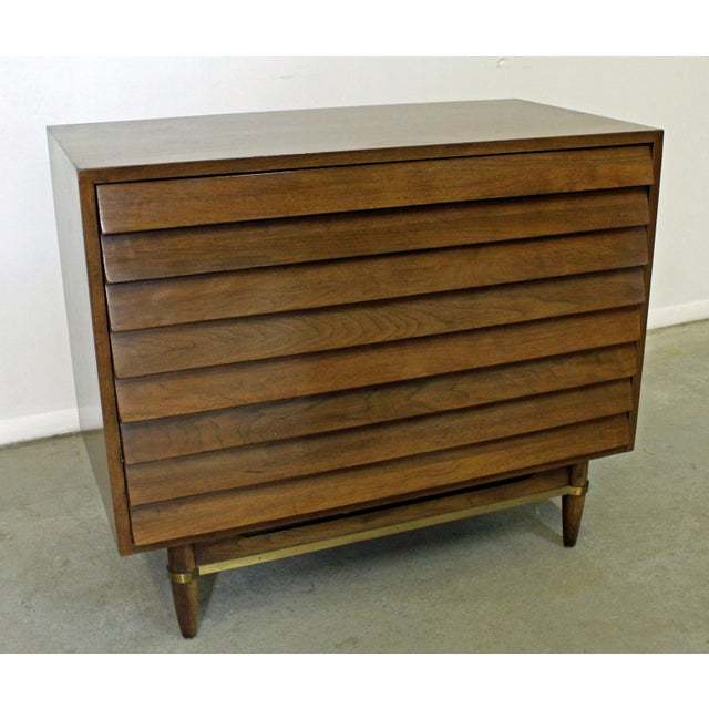 Mid-Century Modern American of Martinsville Merton Gershun Louvre Bachelor Chest For Sale - Image 12 of 12