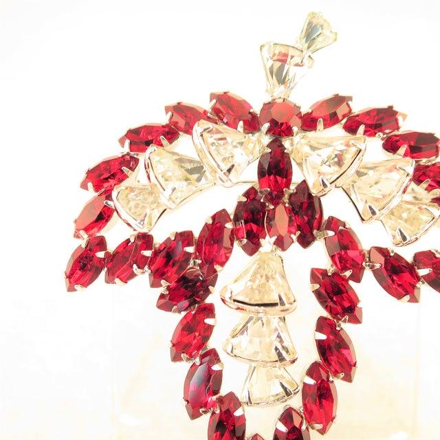 1950s Vendome Ruby Crystal Leaf Brooch 1950s For Sale - Image 5 of 12