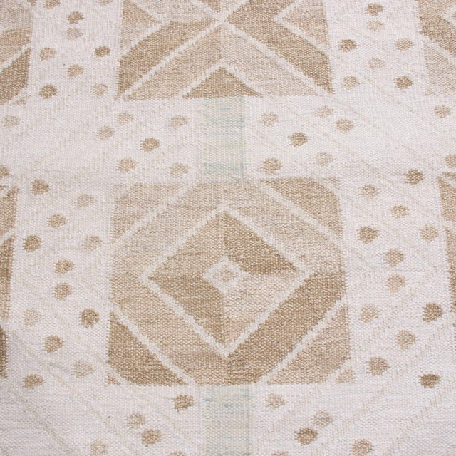 Mid-Century Modern Rug & Kilim's Scandinavian-Inspired Geometric Cream Gray Natural Wool Rug - 10′4″ × 14′1″ For Sale - Image 3 of 6