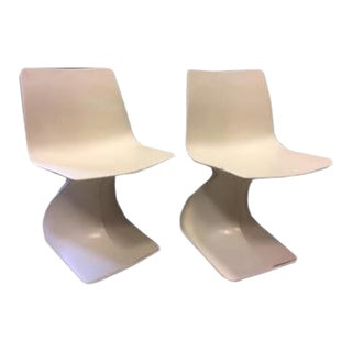 Vintage White Resin Chairs From Italy - a Pair For Sale