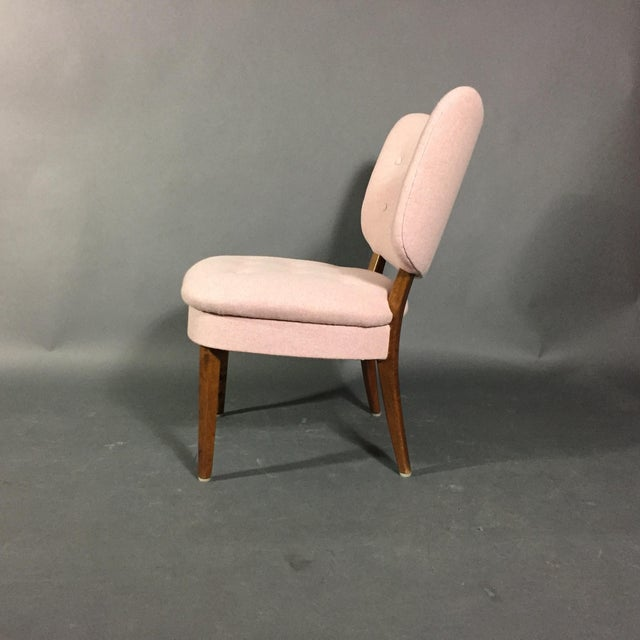 "Mid-Century Modern 1940s Swedish ""Emma"" Chair in Pink Felted Wool For Sale - Image 3 of 9"